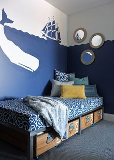 love this simple, fun yet sophisticated nautical room.perfect for kid's room at the beach house Pirate Bedroom, Kids Bedroom, Trendy Bedroom, Bedroom Art, Kids Pirate Room, Modern Bedroom, Girls Nautical Bedroom, Pirate Room Decor, Bedroom Ideas