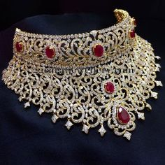 Bridal Jewelry Jewellery Designs: Tremendous Set by Sri Raj Jewellers - Latest Collection of best Indian Jewellery Designs. Real Gold Jewelry, Gold Jewellery Design, Girls Jewelry, Jewelry Sets, Fine Jewelry, Silver Jewellery, Diamond Jewellery, Jewelry Holder, Silver Ring