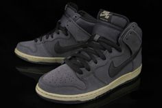 "best service 8fd4d 72299 The Nike SB Dunk High Pro ""AnthraciteMatte Olive"" is part of Nikes"