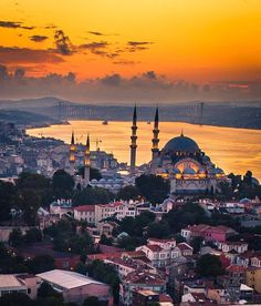 10 Istanbul Walking Tour Advices (Let's Play! Istanbul City, Istanbul Travel, Best Places To Travel, Places To Visit, Wonderful Places, Beautiful Places, Turkey Photos, Turkey Travel, Hagia Sophia