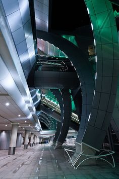How do you like this airport? Dubai Airport has a great shapes, don't you think?