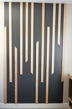 Wood Slat Wall, Wood Wall Art, Modern Wall Paneling, Modern Wall Paint, Wall Panelling, Interior Walls, Home Interior Design, Diy Wall, Wall Decor