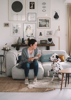 Easy Crafts Ideas at Home Here are some of the most beautiful DIY projects you can try for your self at home If you enjoyed this DIY room dec. Home Living Room, Interior Design Living Room, Living Room Designs, Living Room Decor, Bedroom Decor, Decoration Inspiration, House Styles, Spotted Dog, Eilat
