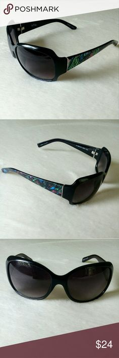 """🆕 B.Mackie Rectangular Sunglasses w Mosaic Detail Non polarized with 100% UV protection. The mosaic arms are really cool looking. Polycarbonate frame and lens. Lens shading is dark to light (top to bottom). Measuring approximately 2.5"""" x 2"""". Bridge is approximately 18mm and the arm is 4.75"""". In EUC, no scratches. Bob Mackie Accessories Sunglasses"""