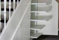 Stauraum unter der Treppe