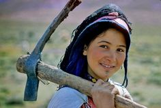 Fascinating Humanity: Morocco: Hard-Working Girl
