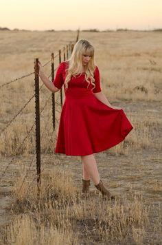 Special k red dress nicole – Dress best style form Modesty Fashion, Plus Size Girls, Lula Roe Outfits, Lularoe Dresses, Fit And Flare, Dress To Impress, Dress Outfits, Christmas Tress, Scandi Christmas
