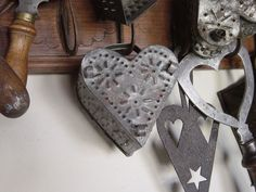EARLY ANTIQUE PUNCHED TIN HEART CHEESE MOLD..19C  GREAT PIECE  AAFA