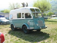 Camping-cars sur base Renault Goëlette et Galion (Page 1) / Camping-cars / A N N E X E Auto Retro, Bus Life, Auto Design, Rv Campers, Mobile Homes, Campervan, Motorhome, Cars And Motorcycles, Recreational Vehicles