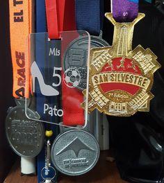 Las #medallas de mi #vida. The #medals of my #life. El #souvenir de mis #50. My #50 #bday #souvenir by @aguscupito