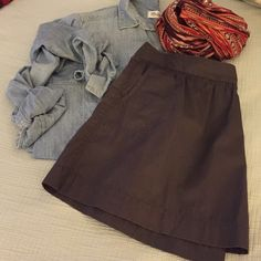 "Gray Mini Skirt from Old Navy Cute little gray mini skirt from Old Navy.  Has pockets and a side zipper closure.  Size 0 and 15"" long Old Navy Skirts Mini"