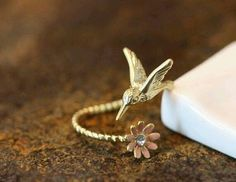 Humming Bird w Flower Ring Women's Girl's Animal Ring Jewelry … Humming Bird w Flower Ring Women's Girl's Animal Ring Jewelry Adjustable Wrap Ring Color Select gift idea - My Accessories World Teen Jewelry, Bird Jewelry, Animal Jewelry, Cute Jewelry, Jewelry Rings, Unique Jewelry, Jewelry Accessories, Jewelry Design, Fashion Jewelry