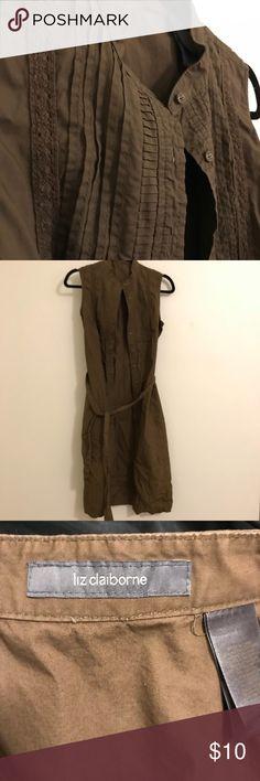 Liz Claiborne sleeveless dress w/belt Liz Claiborne sleeveless dress w/belt. Size 4, great condition. Liz Claiborne Dresses