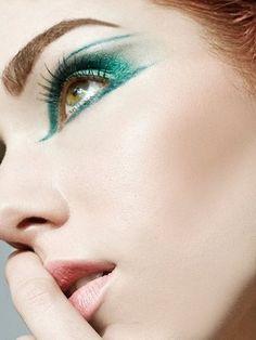 Green eye #makeup