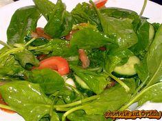 Nu este nimic special sau dificil în a preparata o salata de spanac cu roşii şi castraveţi, special fiind spanacul proaspat. Salata de spanac Yummy Recipes, Yummy Food, Spinach, Dan, Vegetables, Salads, Tasty Food Recipes, Delicious Food, Vegetable Recipes
