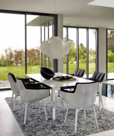 B&B Italia dining room set. Sometimes simple things work best. The…
