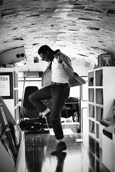 Someone to have fun with. Dallas Closets: Leon Bridges | Man Repeller