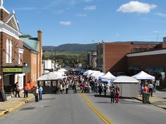 Fall Foliage Festival Art Show in Downtown Waynesboro, VA... 2nd weekend of every October