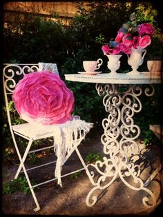 love the pillow, the table..everything...