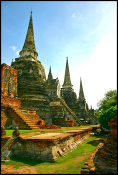 Bucket List Thursday: Thailand - Bring Your Own Compass Temple Ruins, Buddhist Temple, Places To See, Places Ive Been, Ill Fly Away, Dream Vacations, Bangkok, To Go, Bucket