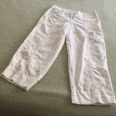 Ann Taylor linen pants 52% linen 48% cotton missing a button in waist Ann Taylor Pants Capris