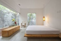 Minimal and linear bedroom with large window  #bedroom #brightbedroom #minimalbedroom