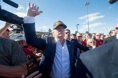 El precandidato republicano lidera la intención de voto entre los republicanos.