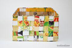 Crea cestini di carta intrecciata con le scatole dei cereali! Tutorial di riciclo creativo di www.cucicucicoo.com