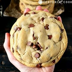 Chocolate Chip Cookies These Jumbo Chocolate Chip Cookies are easy, delicious, and the perfect indulgence! Makes six large cookiesThese Jumbo Chocolate Chip Cookies are easy, delicious, and the perfect indulgence! Makes six large cookies Cookie Desserts, Just Desserts, Delicious Desserts, Dessert Recipes, Yummy Food, Easy To Make Desserts, Baking Cookies, Holiday Desserts, Christmas Recipes