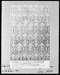Fragment von einem Seidenstoff mit Fabeltieren | spanisch | Bildindex der Kunst & Architektur