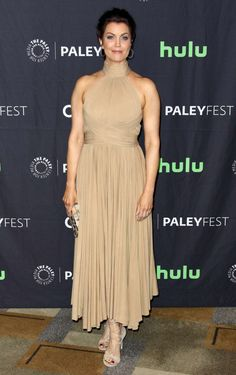 Bellamy Young in Maria Lucia Hohan