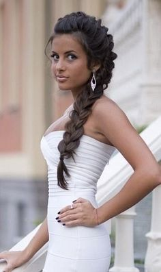 Love this Mohawk braid! But I'd leave the tail loose and curly
