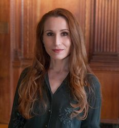 Interview: Award-winning author, Odyssey graduate, and 2018 Guest Lecturer Theodora Goss talks about the differences between short story and novel structure, what fairy tales can teach writers, her Odyssey experience, and more!