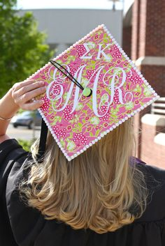 For Brittani Thomas: Decorated Graduation Cap. Decorated with Lilly Pulitzer wrapping paper and Sigma Kappa letters on the cap. Cute Crafts, Diy And Crafts, Creative Crafts, Creative Ideas, Sigma Kappa, Delta Zeta, Alpha Phi, Delta Gamma, Graduation Cap Decoration