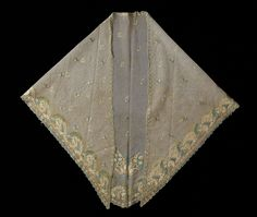 1810-1825, the Netherlands (Friesland) - Fichu - Silk tulle with silk embroidery