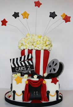 Movie Night Cake This would be perfect for a Movie birthday party! Adult Birthday Cakes, Birthday Parties, Happy Birthday, Movie Cakes, Movie Night Party, Sleepover Party, Cute Cakes, Sweet Cakes, Novelty Cakes