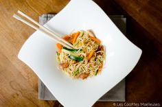recette : le wok de poulet aux legumes Chinese Food, Japchae, Clean Eating, Food And Drink, Cooking, Ethnic Recipes, Kitchen, Mille, Yoga