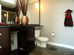 Apartments with ultra cool bathrooms for rent in downtown Chicago. Trio Apartments in Chicago with many resident amenities. Apartments for rent in Chicago.