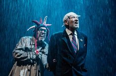 Ian McKellen is mighty as Lear in Jonathan Munby's pomp-filled, busy production, transferring from Chichester to the West End National Theatre Live, Scenography Theatre, Shakespeare Plays, William Shakespeare, Lotr Trilogy, The Hobbit Movies, King Lear, Ian Mckellen, Swan Song