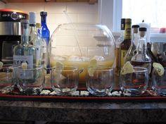 Oggi vi presentiamo il punch allo zenzero, o per essere più precisi il punch al rum con lo zenzero, che non è una bevanda calda ma un cocktail da servire freddissimo.