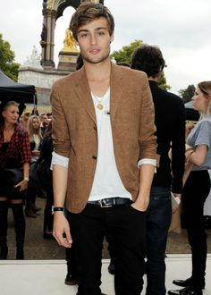 douglas booth... he's going to be the new Romeo....