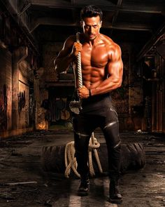 fitness no pain no gain homme musculation muscles thé modèles Tiger Shroff Body, Fitness Models, Male Fitness, Body Fitness, Gym Fitness, Fitness Tips, Best Workout Routine, Workout Tips, Hard Workout