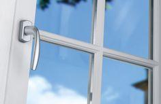 Detail Fenstergriff von Fenster-Schmidinger aus Gramastetten in Oberösterreich. Infos auch auf unserer Website: www.fenster-schmidinger.at #Hoppe #Griff #Secustik #Silber Montage, Windows, Silver, Ramen, Window