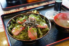 海葡萄生魚片蓋飯,一千二百圓CP值高。 @海人料理亀ぬ浜 Sea Grapes & #Sashimi with rices #fishers' #lunch #food #Okinawa