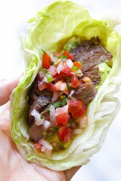 """Grilled sirloin steak """"flaco"""" tacos uses lettuce instead of tortillas! The steak is seasoned with cumin and spices, then grilled and sliced thin, along with guacamole and pico de gallo – low-carb and"""