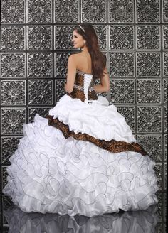 Leopard Print Wedding Dress the dress may be a little to much but the idea is cute!!!!