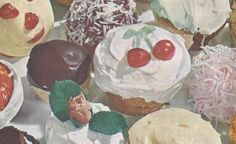 VINTAGE RECIPES: 150 CAKES, CUPCAKES AND FROSTINGS FROM 1958