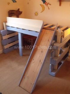 bed kid3 600x800 Salvaged bed for toddlers made with repurposed pallets in pallet bedroom ideas pallet kids projects diy pallet ideas  with ...