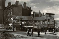 Shambles from Old Millgate Royal Exchange in the background 1946