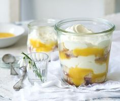 Citronový trifle Lemon Curd, Trifle, No Bake Desserts, Cake Pops, Baked Goods, Yogurt, Catering, Panna Cotta, Cheesecake
